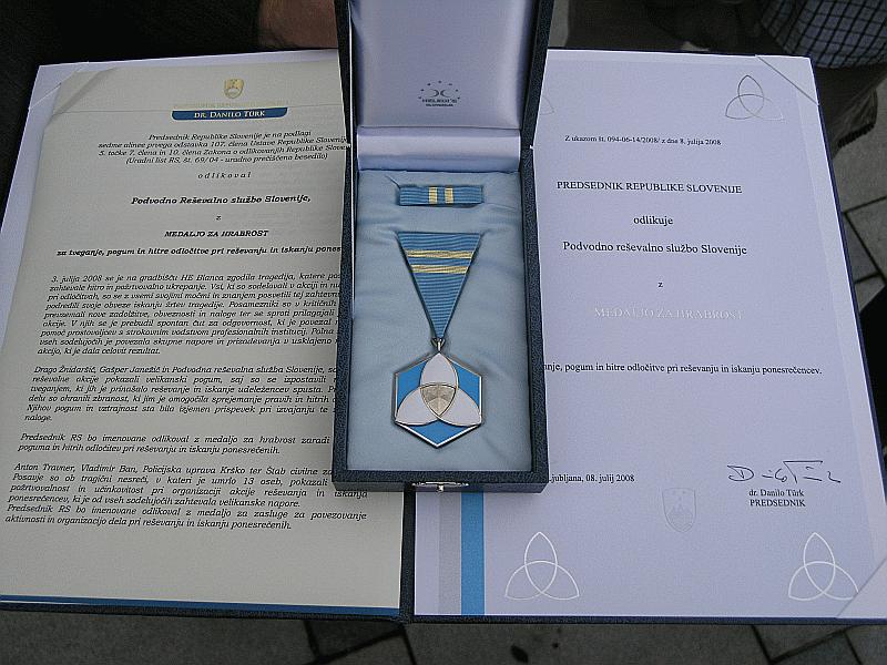 14. 7. 2008 – Predsednik Slovenije Dr. Türk odlikoval reševalce PRS